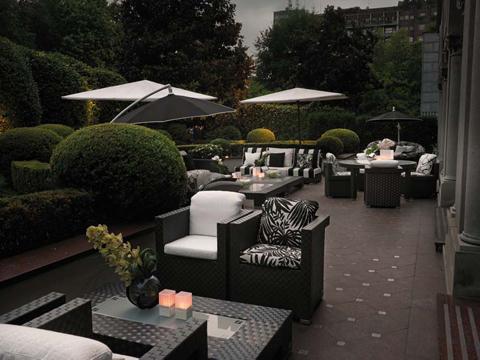 Fendi Casa arreda il giardino dellHotel Principe di Savoia  Magazine ...