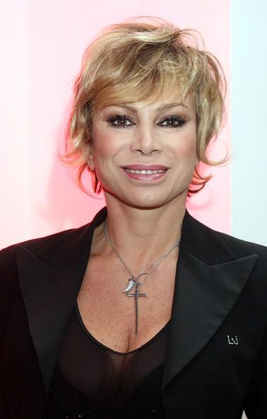Carmen Russo Taglio Di Capelli  2021