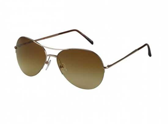 Burberry eyewear la nuova esclusiva campagna 2012 video for Scarpe inglesi famose