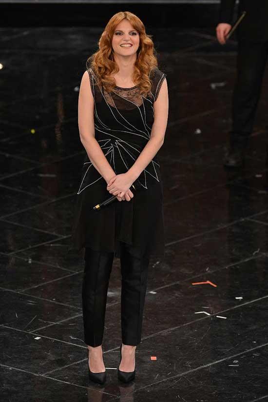 Chiara Galiazzo in total look di Alberta Ferretti per la ...