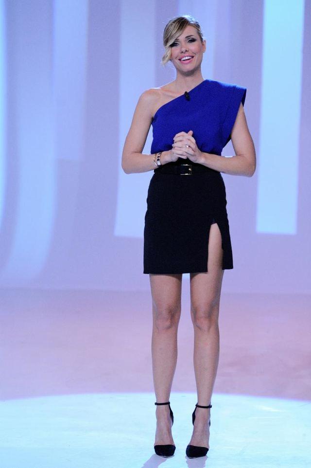 Ilary Blasi ci dà un taglio: ecco il suo nuovo look (FOTO)