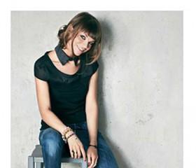 Motivi loves music  il brand di abbigliamento collabora con Sony Music e  Alessandra Amoroso per un nuovo talent 1b1f7063f937