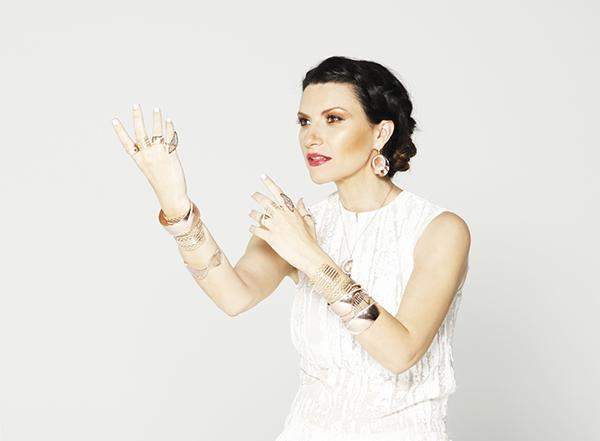 Laura-Pausini-in-Stroili-per-il-nuovo-video-SINO-A-TI-02