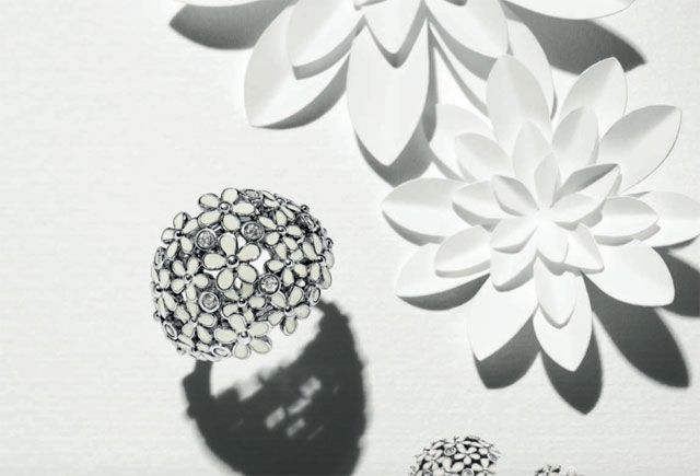 anello pandora bouquet luminoso