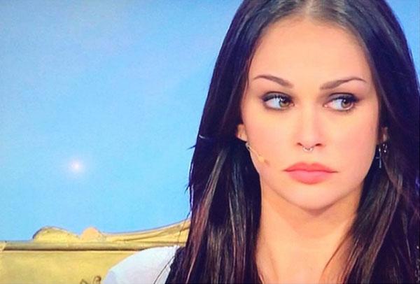 Uomini e donne valentina dallari mostra il suo grande for Valentina immagini