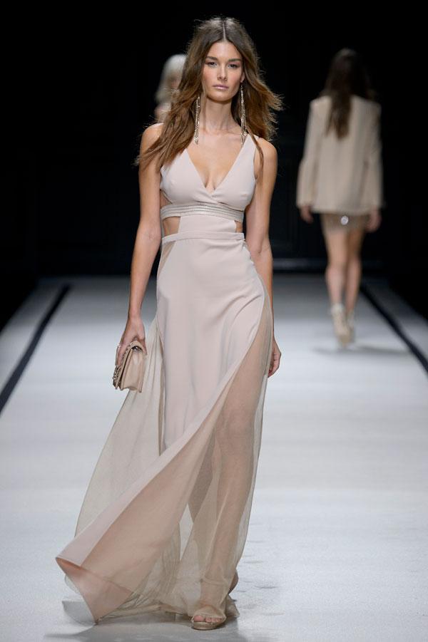 purchase cheap 38719 1c8e9 Elisabetta Franchi a Milano Moda Donna: la sfilata della ...