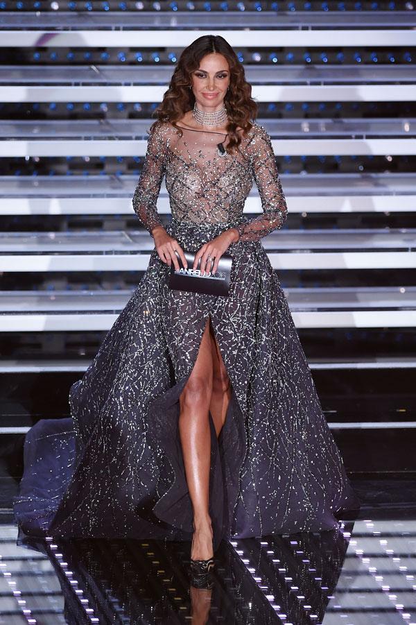 Favoloso Gli abiti di Madalina Ghenea per la finale del Festival di Sanremo  TC24