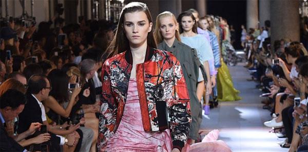 online store ba02d d7825 Roberto Cavalli sfilata AI 2016 Milano Moda Donna, diretta ...