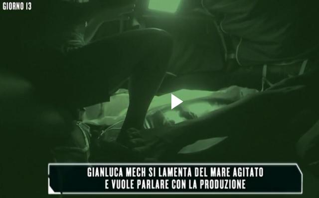 """Isola dei Famosi 2016 sulla zattera forte lite tra Cristian e Mech """"Ti butto in mare"""""""