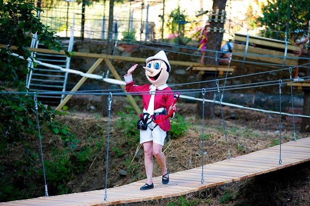 Una giornata con Pinocchio compie 60 anni il parco a Collodi dedicato al burattino di legno