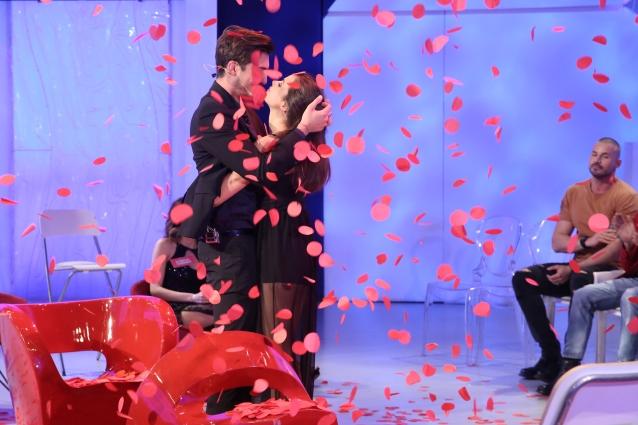 Uomini e Donne oggi 31 maggio in onda la scelta di Oscar Branzani