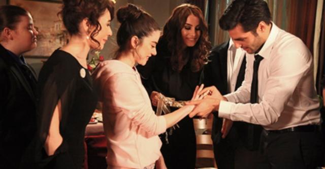 ayaz chiede la mano di oyku