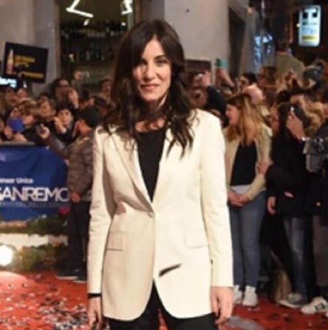 Paola Turci abito look Festival di Sanremo 2017 che stilista ha scelto