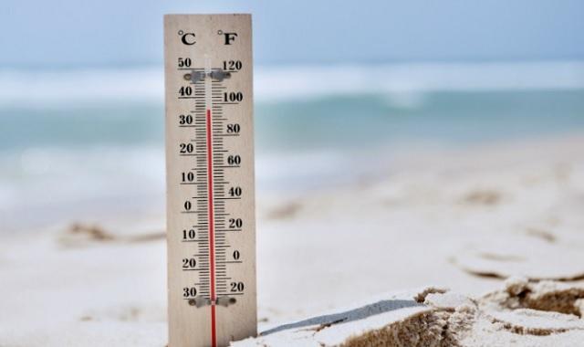 Combattere il caldo estivo con il cibo