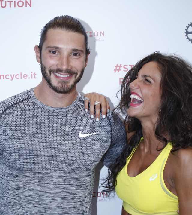 Stefano De Martino ed Elena D'Amario prima di Amici si allenano in palestra