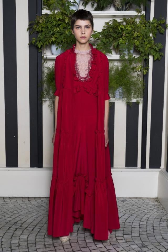 San Valentino pronte per scegliere l'abito e il look giusto?