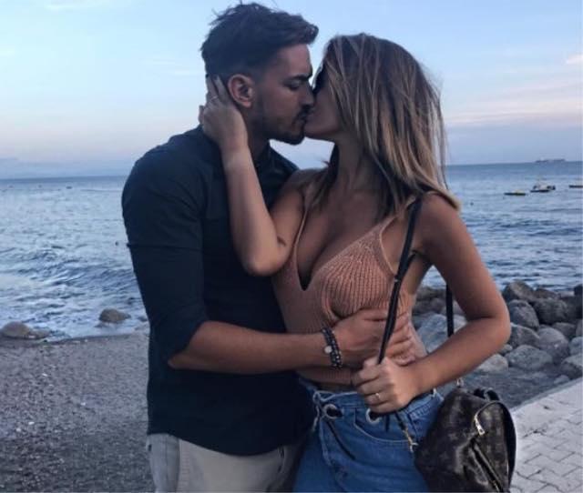 Rosa Perrotta all'Isola dei famosi e il messaggio del fidanzato strappalacrime