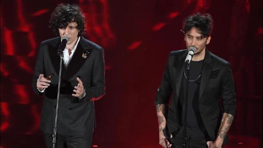 Ermal Meta e Fabrizio Moro vincono Sanremo 2018 video della canzone e stilista