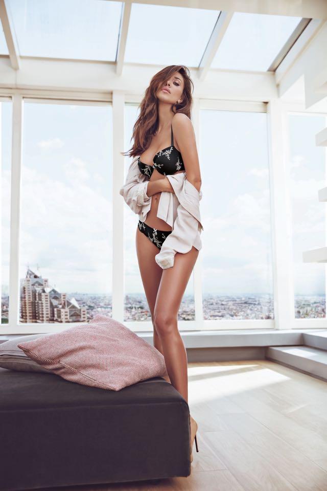 Moda primavera estate 2018 l'intimo indossato da Belen Rodriguez