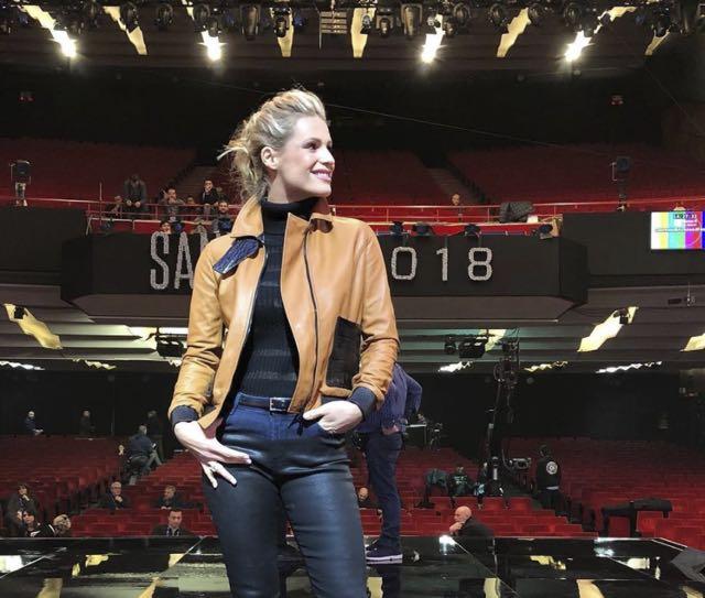 Michelle Hunziker Sanremo 2018 scarpe indossate e stilista