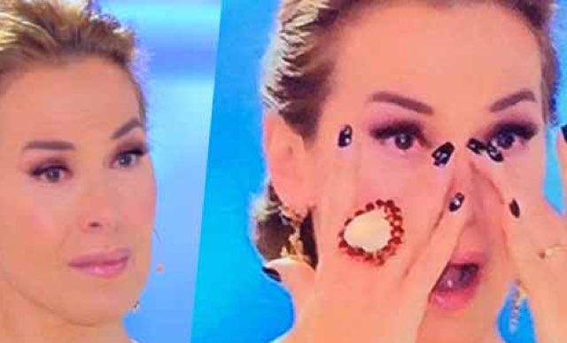 Barbara D'Urso piange a Domenica Live in diretta ecco perchè