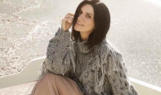 """Laura Pausini look abito e stilista nel video di """"Non è detto"""""""