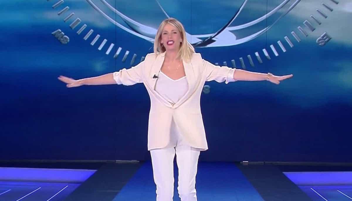 Finale isola dei famosi 2018 e abito Alessia Marcuzzi che stilista ha scelto?