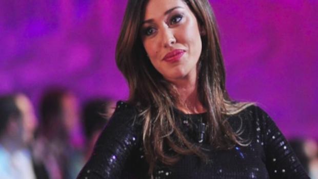 """Belen Rodriguez a Mattino 5:""""Vivo per Santiago e con Andrea Iannone..."""" (Video)"""