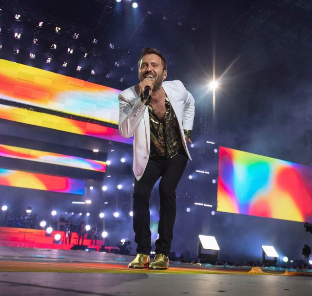 Concerto Cesare Cremonini tour Stadi 2018 ecco cosa indossa