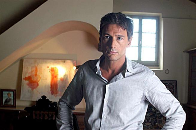 """Roberto Farnesi tradice """"Le tre rose di Eva"""" e si prepara a girare un'altra fiction"""
