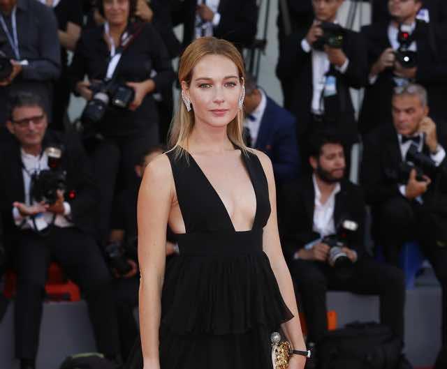 Cristiana Capotondi look abito e stilista al Festival di Venezia
