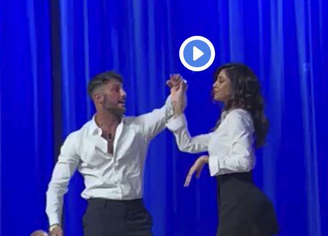 Belen e Corona c'è un riavvicinamento, ecco il ballo sexy in Tv