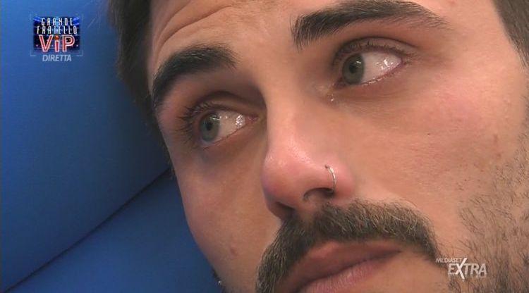 Francesco Monte piange al Grande Fratello Vip per la sua Cecilia