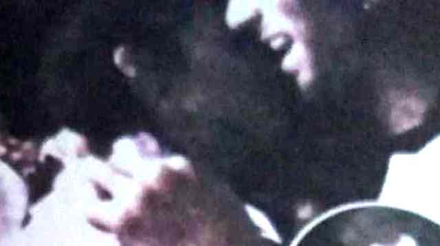 Giulia De Lellis bacia Andrea Damante in un locale, c'è la foto