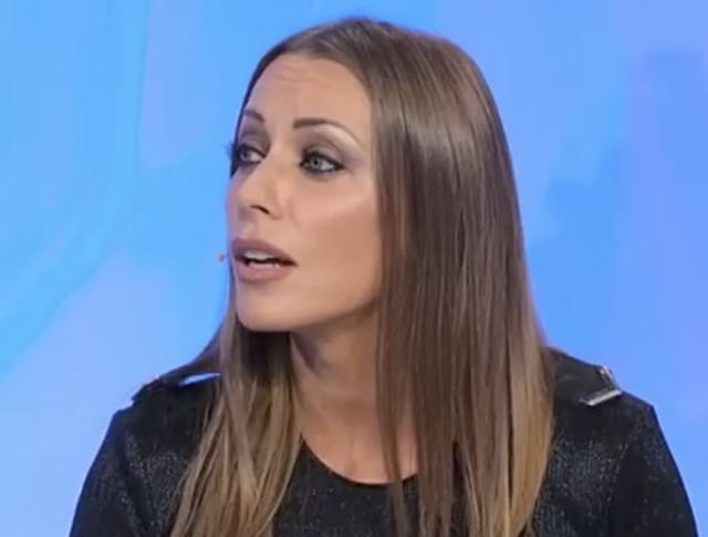 Uomini e donne oggi Karina Cascella smaschera Federico e Teresa lo elimina