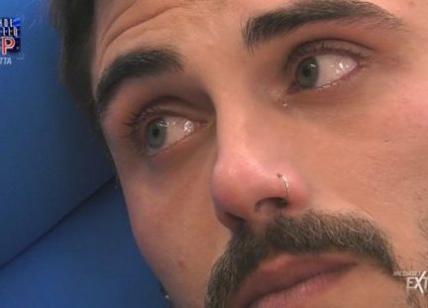 Francesco Monte lascia la casa del Grande Fratello Vip, problemi medici