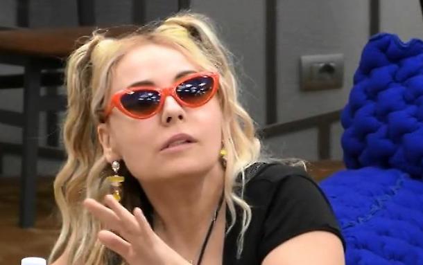 Lisa Fusco eliminata dal Grande Fratello Vip le bimbe di Giulia hanno colpito