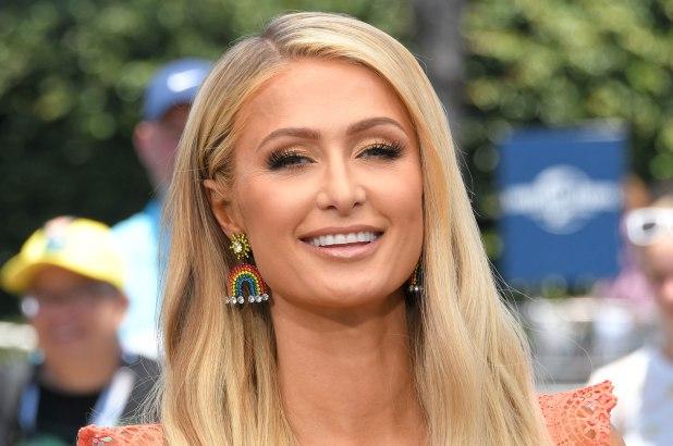 Paris Hilton a Domenica Live dalla D'Urso dopo aver ospitato Chiara Ferragni