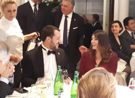 Matteo Salvini intervista a Quarta Repubblica e la cena di gala con la Isoardi