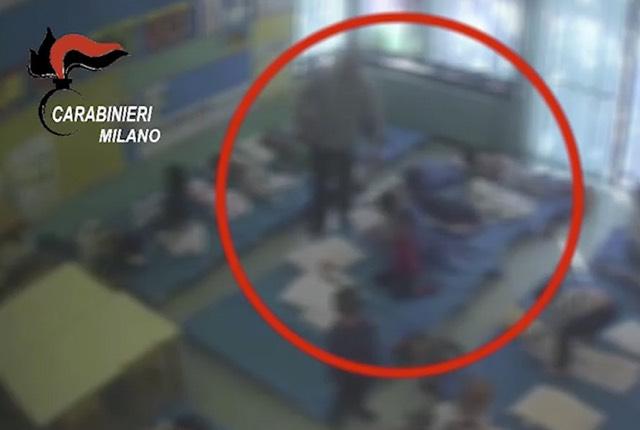 Asilo Milano Pero bambini picchiati e spinti da mesi arrestato il maestro