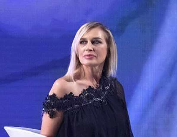 """Lory Del Santo a Verissimo in lacrime:""""La morte deve essere un punto per andare avanti"""""""