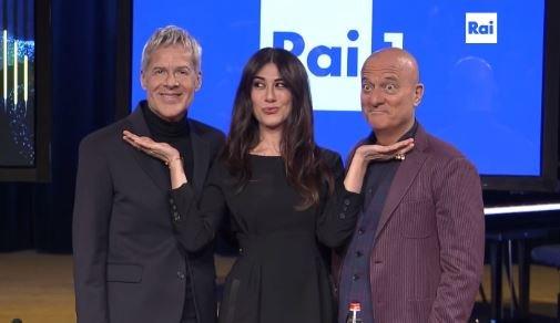 Sanremo 2019 Bisio e Raffaele fratello sole e sorella luna conducono con Baglioni