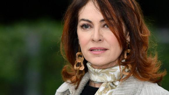 Elena Sofia Ricci Che Dio ci aiuti anticipazioni e ospite a Domenica In