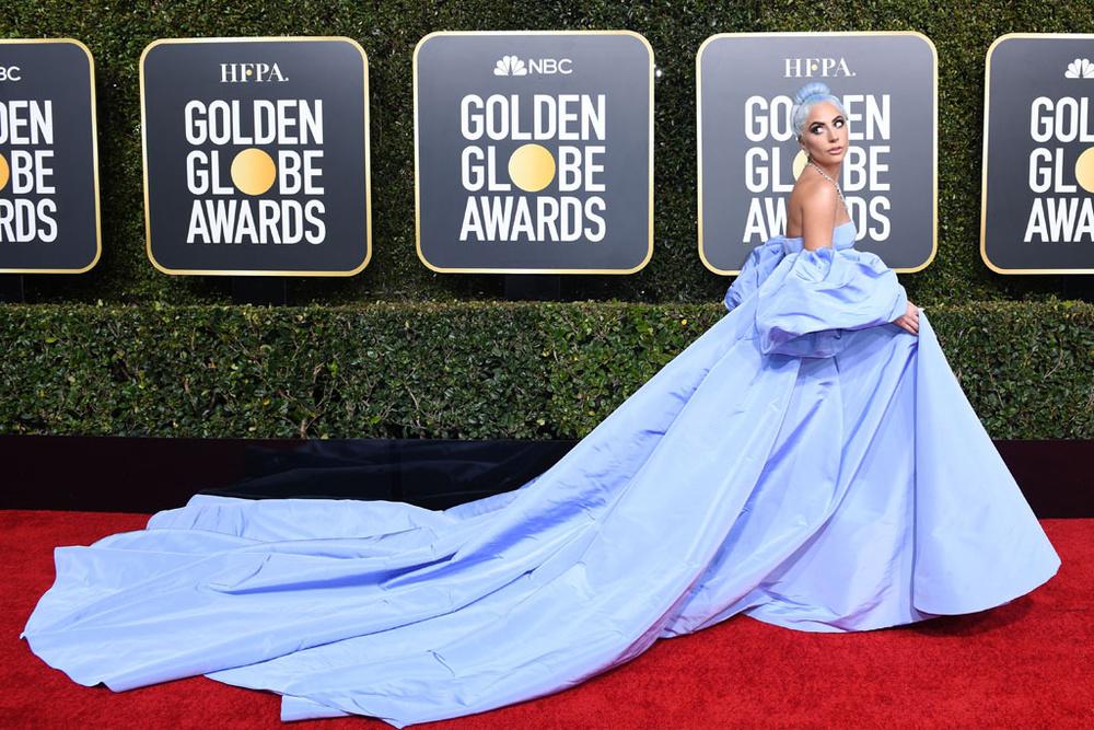 Lady Gaga abito stilista e look scelto per i Golden Globe 2019