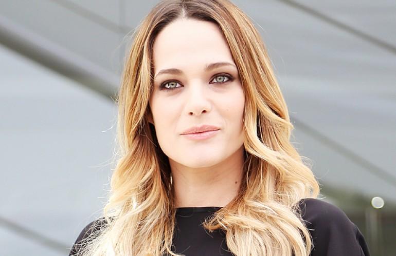 Laura Chiatti ospite a Sanremo 2019 sulle note di Lucio Battisti