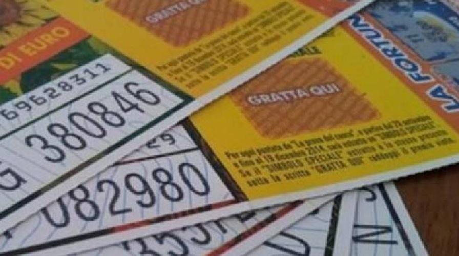 Lotteria Italia i biglietti vincenti dei premi da 50mila e 25mila euro premi seconda categoria