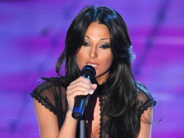 Anna Tatangelo abito e stilista Sanremo 2019 che look ha scelto?