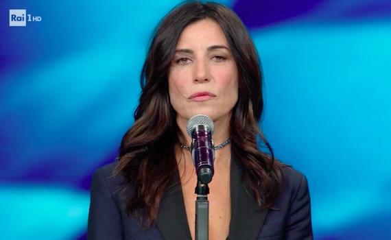 Paola Turci abito e stilista Sanremo 2019 che look ha scelto all'Ariston?