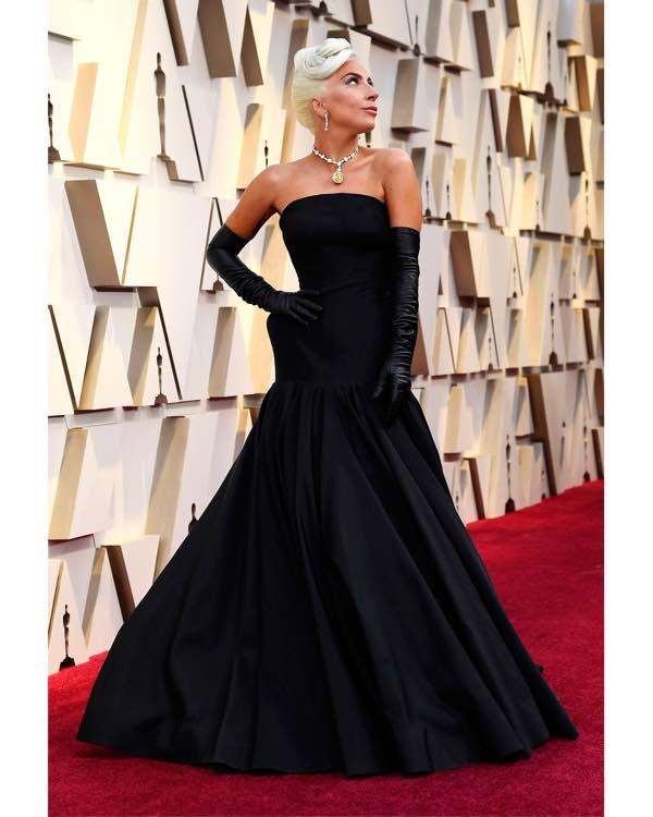 Lady Gaga Oscar 2019 abito e accessori agli Academy Awards