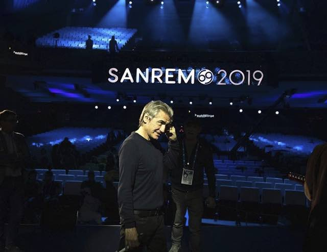 Sanremo 2019 ospiti quarta serata Ligabue super ospite che canta Guccini